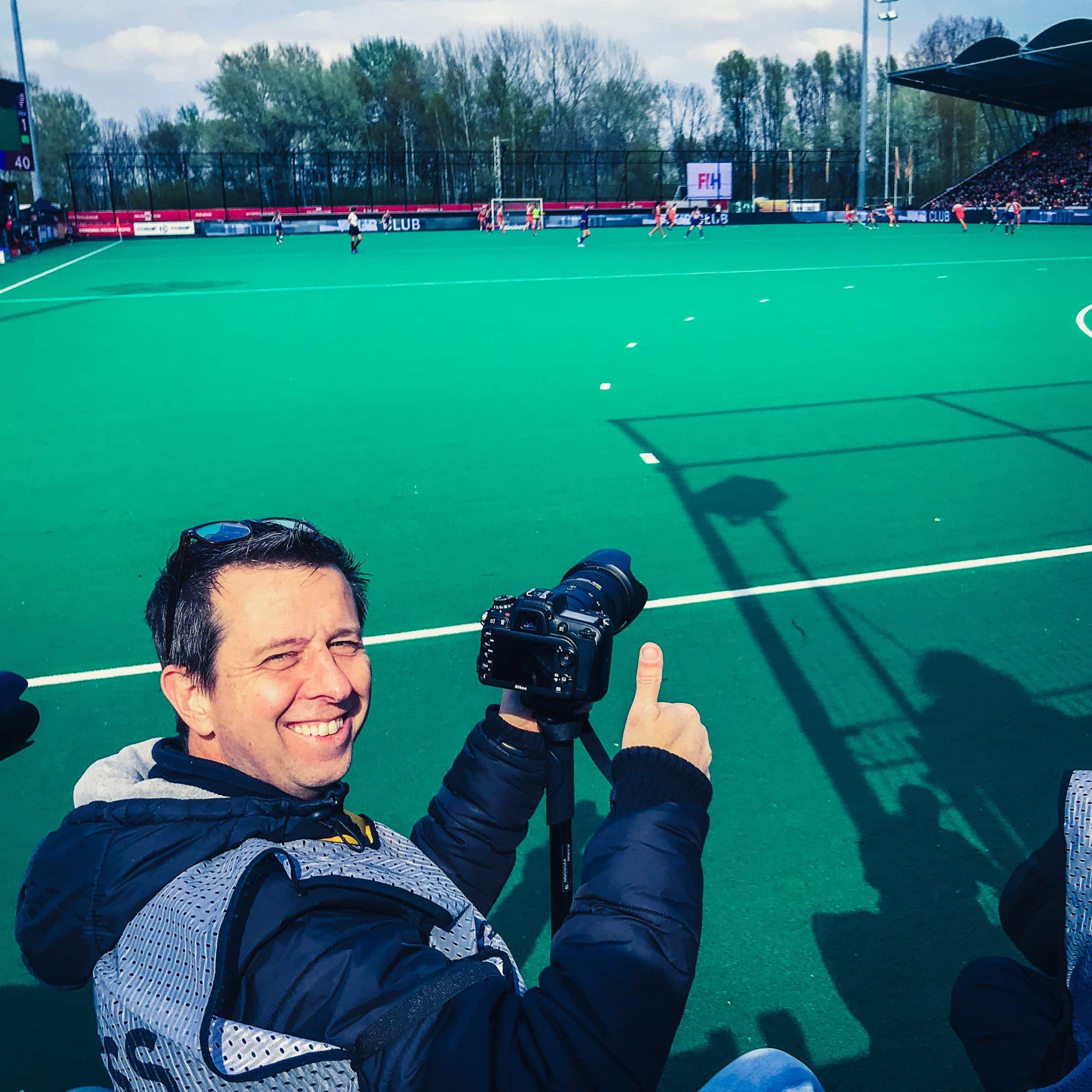 De hockeyfotograaf legt al je hockeywedstrijd acties vast op beeld. Hockey fotografie-Sport fotografie-reportage